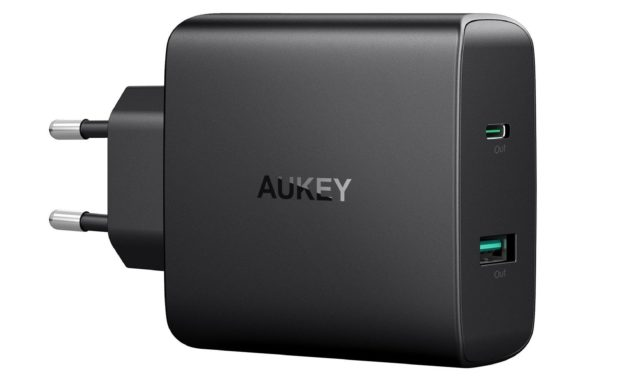 24,99€ AUKEY USB C Ladegerät mit 46W Power Delivery 3.0 & 5V 2,1A USB Netzteil für MacBook / Pro, Dell XPS, Nintendo Switch, Samsung Note 8 / S8 / S8+, Google Pixel, iPhone X / 8 / 8 Plus, iPad usw.