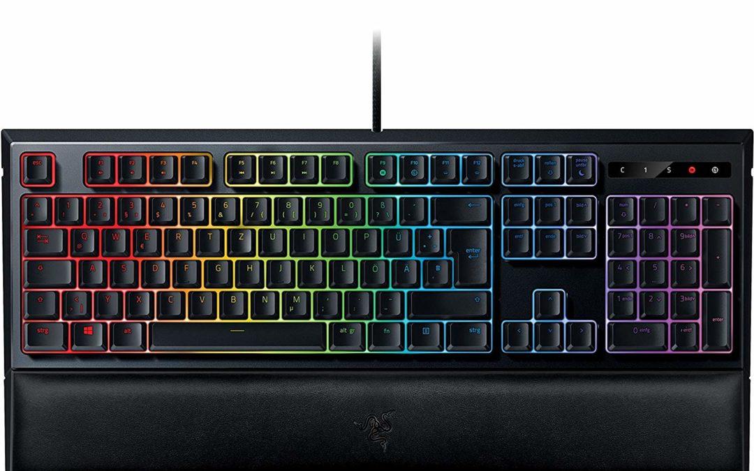 69€ Razer Ornata Chroma Gaming Tastatur (Mecha-Membran Tasten, Chroma RGB Beleuchtung und Ergonomischen Design mit Handballenauflage)